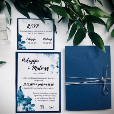 Ręcznie wykonana koperta z kieszonką, błękitna koperta połączona srebrnym, elastycznym sznurkiem