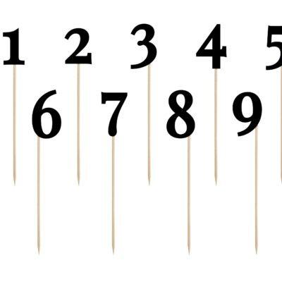 Numery (od 1 – 10) na stół weselny w kolorze czarnym spełnią rolę dekoracyjną, wysokość od ok. 25,5 do ok. 26,5 cm.