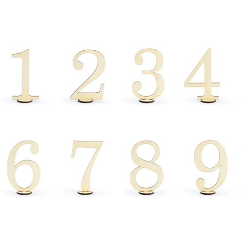 Numery (od 1 – 10) na stoły weselne nadadzą rustykalnego charakteru dekoracjom, wysokość po złożeniu ok. 10,5 cm.