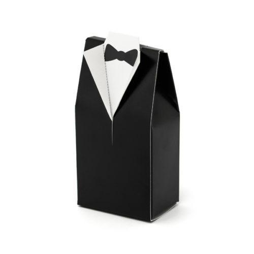 Pudełeczka Pan Młody wykonane z papieru w kolorze czarno-białym. Wymiary po złożeniu 5x3x9,5 cm.